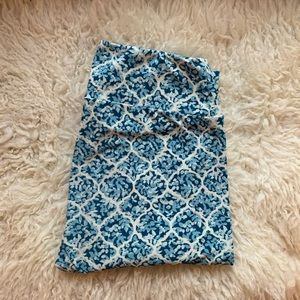 Lularoe Leggings/Blue and White Pattern Printed